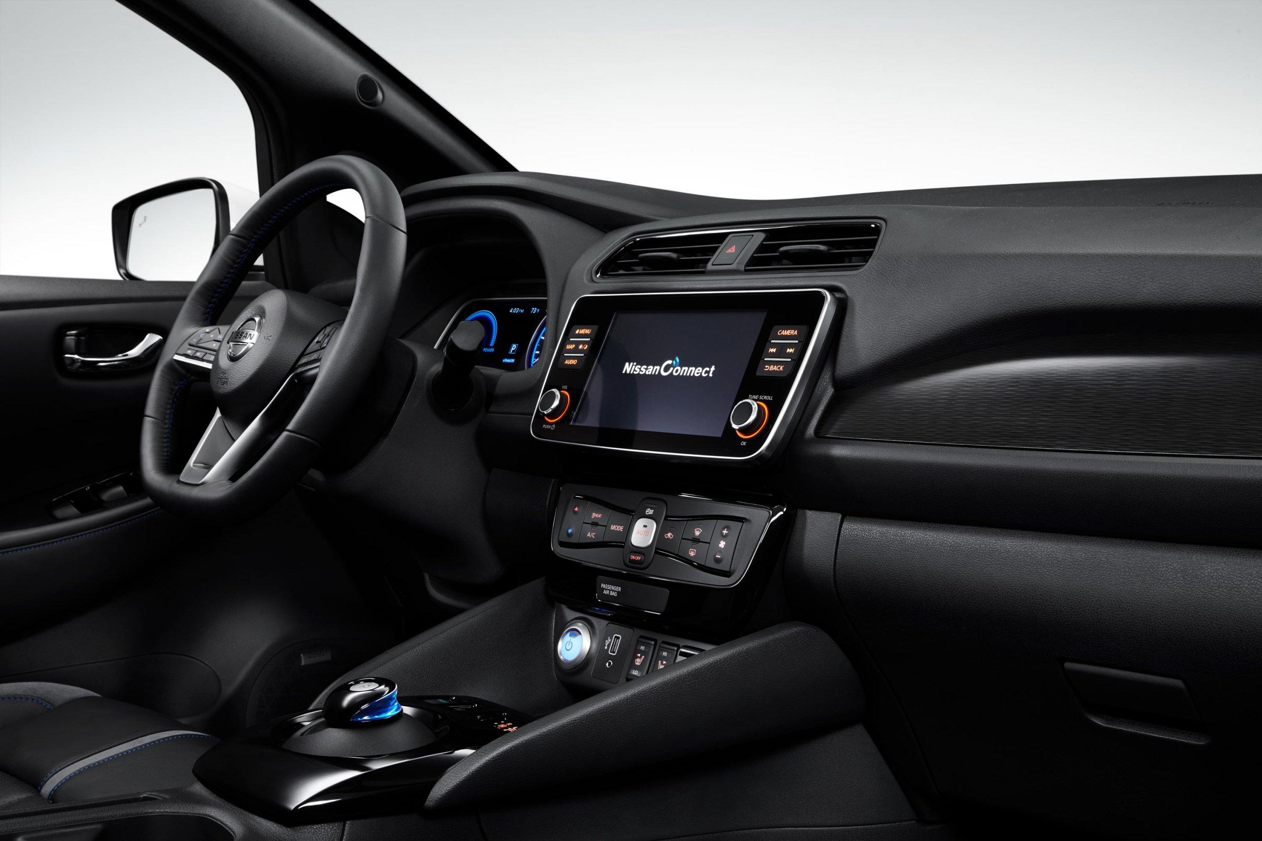 Nissan leaf interiör